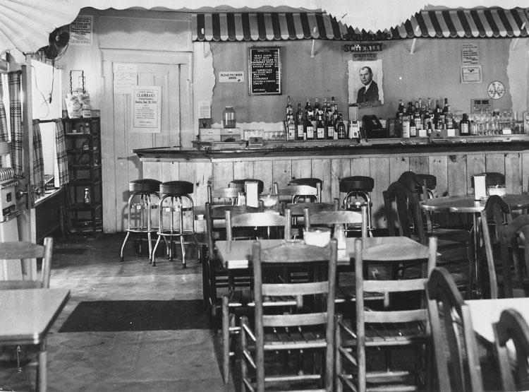 Bar at Won-Der-View - 1949